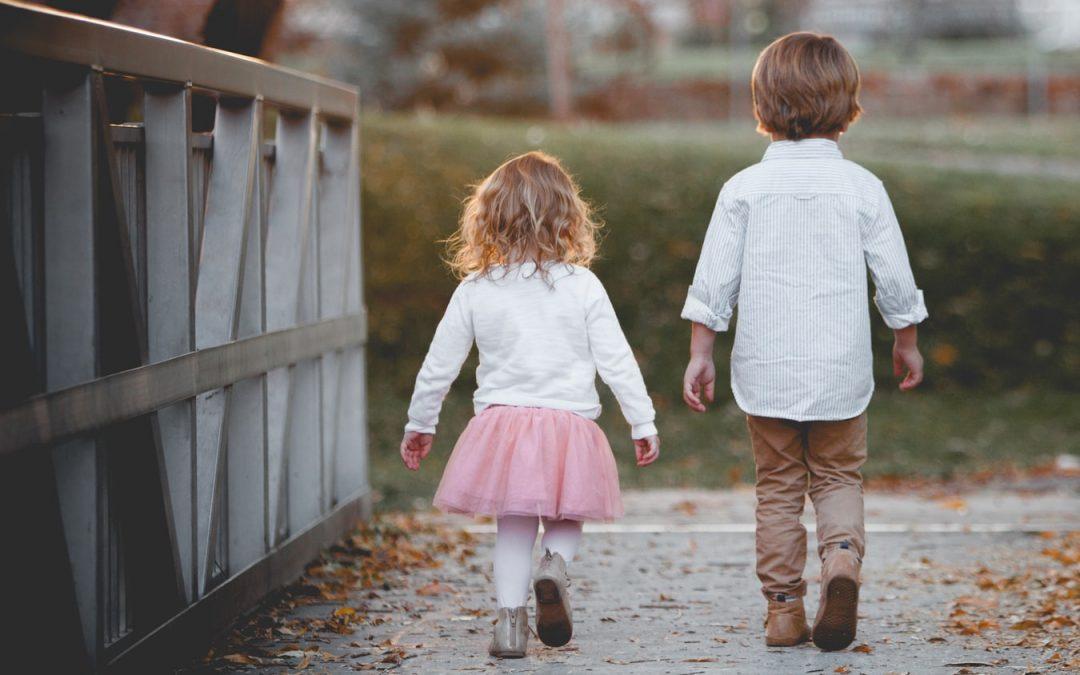 Que recherchent les parents lorsqu'ils achètent les vêtements de leurs jeunes enfants ?